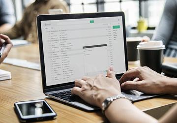 Bildungsgrad beeinflusst E-Mail-Nutzung